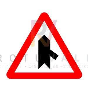 Señal peligro incorporación P1c Rotuvall