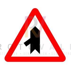 Señal peligro incorporación P1d Rotuvall