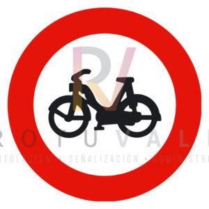 R-105-Señal-entrada-prohibida-a-ciclomotores-Rotuvall