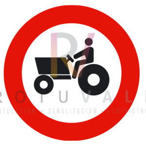 R-111-Señal-Entrada-prohibida-a-vehículos-agrícolas-de-motor-Rotuvall