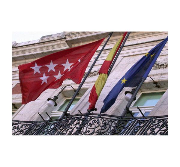 Bandera-Comunidad-de-Madrid-exterior-ROTUVALL