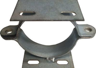 Abrazadera-doble-de-acero-para-poste-60-mm