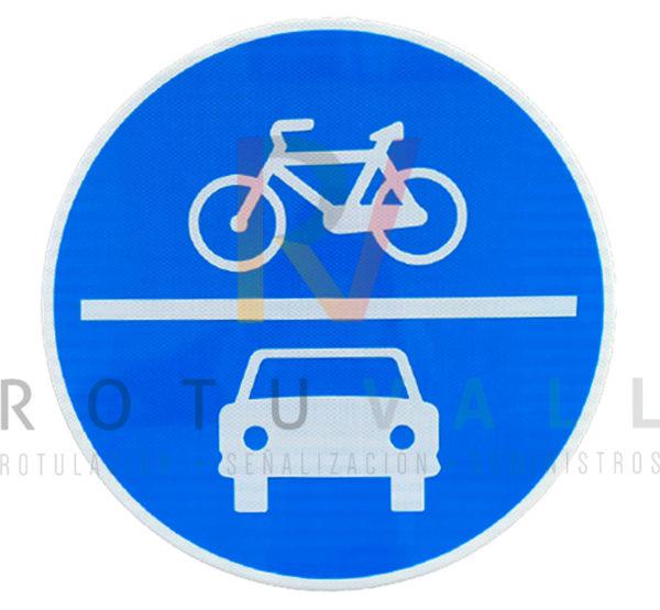 Señal de obligación calzada compartida automóviles y bicicletas