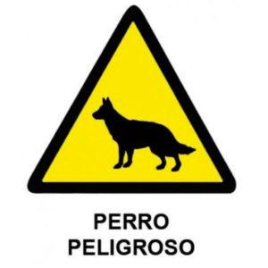 señal de advertencia de perro peligroso con pictograma de triángulo amarillo