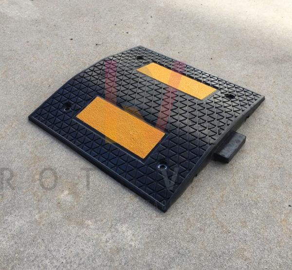 Reductor de velocidad réflex amarillo y negro parte central