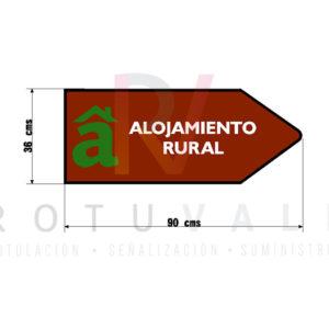 Señal en forma de flecha para localizar alojamientos rurales en Cantabria